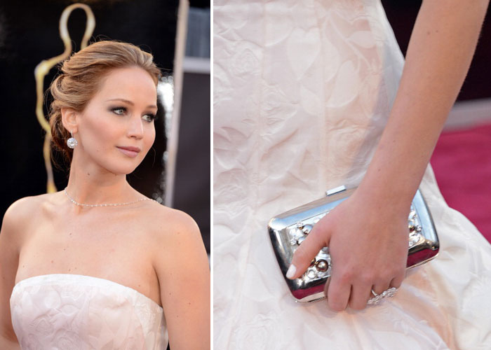 DIOR jennifer-lawrence-dior-clutch-oscar-2013