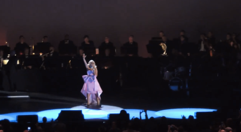 Lady Gaga sings La Vie en Rose