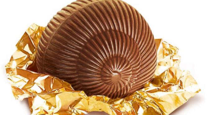 """""""Je suis fou du chocolat Lanvin!""""  Dali"""